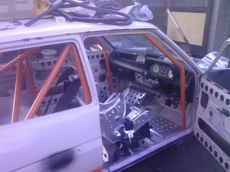 Race spec classic ford fiesta interior