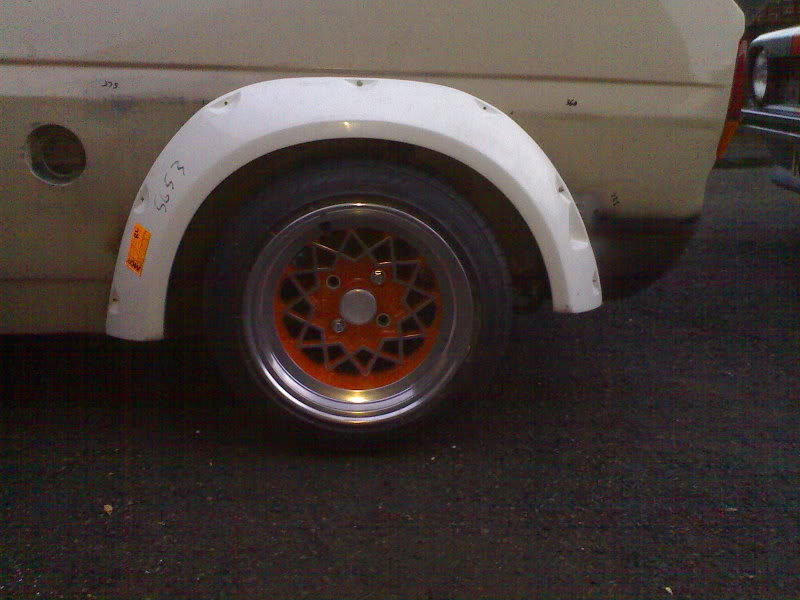 Mk1 Ford Fiesta wide arch fitting
