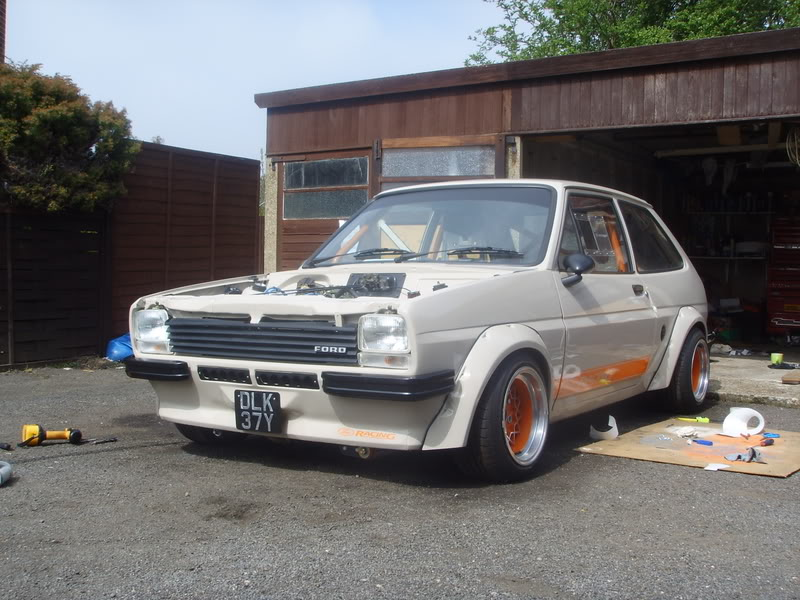 orange and beige mk1 fiesta
