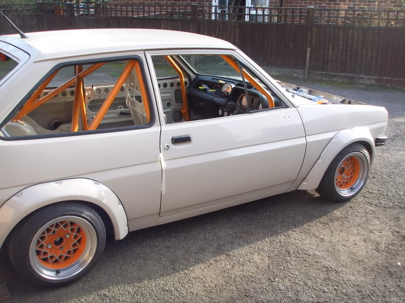 Fibreglass wide arch kit for Mk1 Ford Fiesta