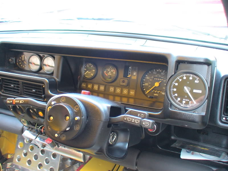 Xr2 dashboard with gauges fitted