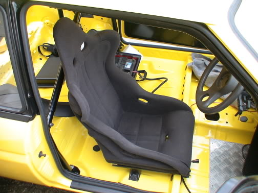 rs200 seat fitted to Fiesta XR2 track car