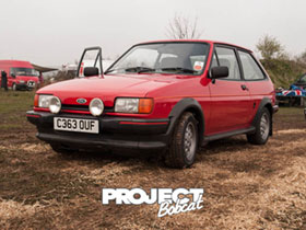 Red Ford Fiesta XR2 C363OUF