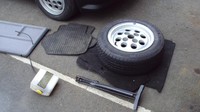 contents of fiesta boot and rubber waffle floor mats