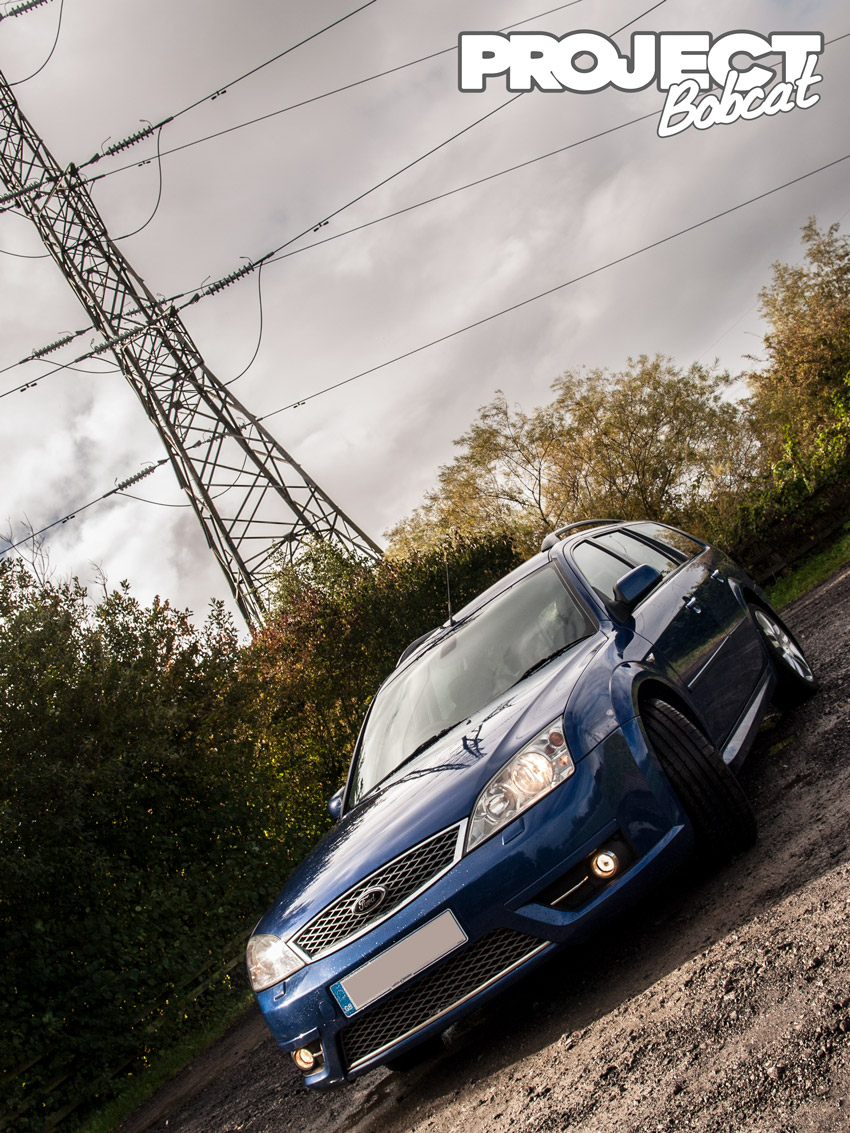Ford Mondeo ST TDCI under electricity pylon